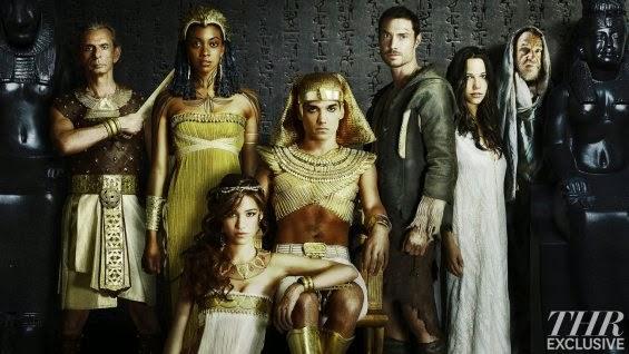 http://hatak.pl/artykuly/promocyjne-zdjecia-obsady-gotham-wayward-pines-hieroglyph-oraz-empire