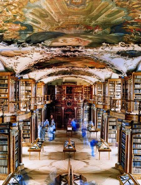 http://www.eioba.pl/a/2044/20-najpiekniejszych-bibliotek-na-swiecie